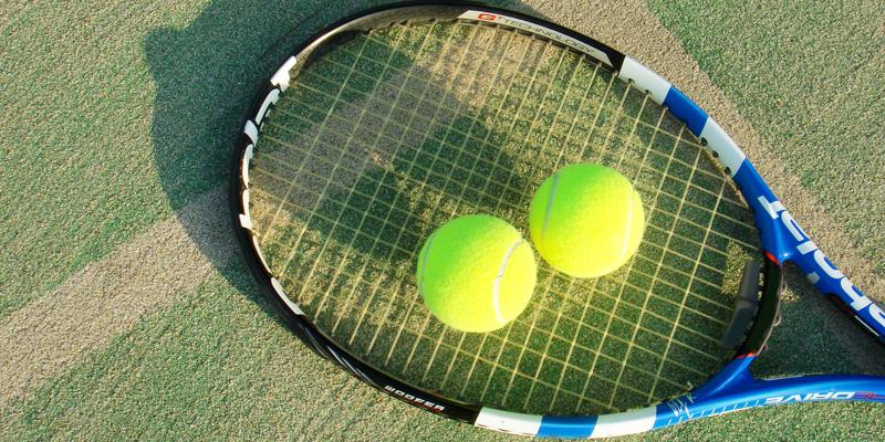 テニス サークル