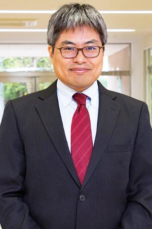 准教授 岡田健一