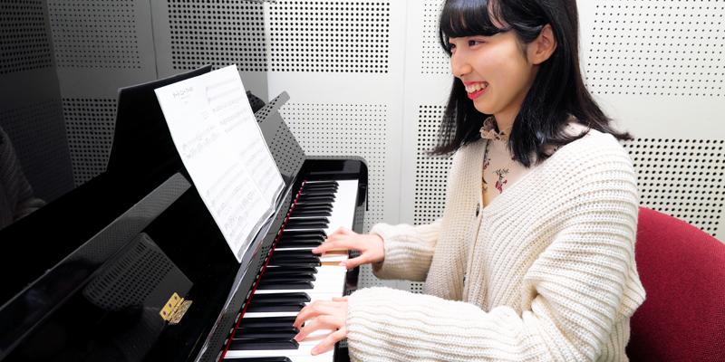 学生寮ビアノ練習室