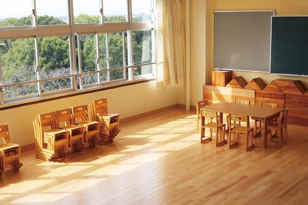 保育室を想定した実践演習を行える保育演習室